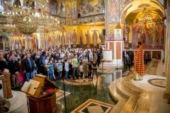 v-na-cvijeti-odsluzena-liturgija-u-sabornom-hramu-hristovog-vaskrsenja-u-podgorici-1491776071-261